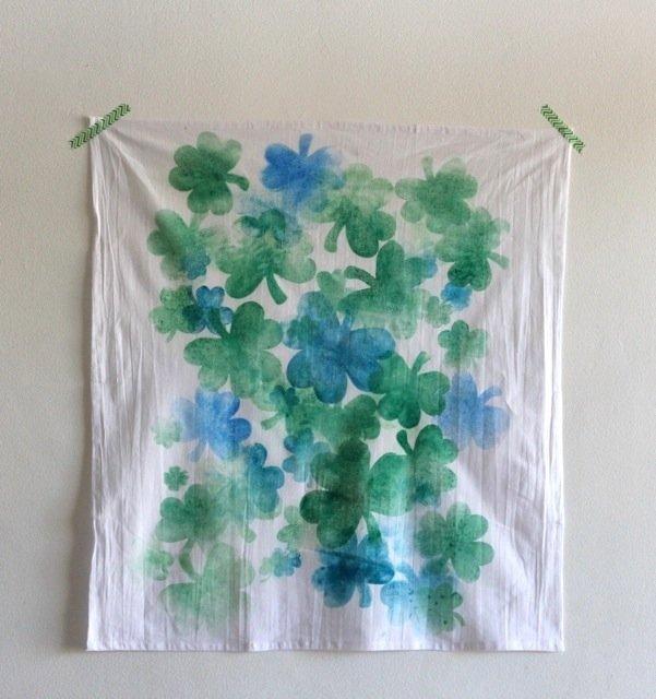Make a shamrock tea towel at sparklelivingblog.com