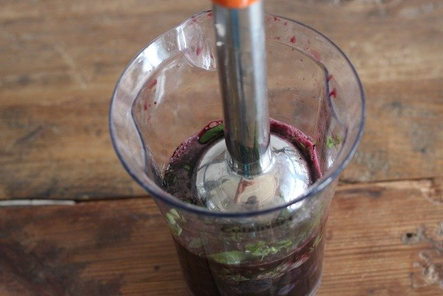 Blueberries + Basil Ice Pops www.sparklepantsgirl.com