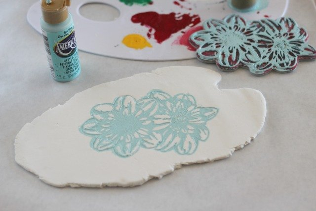 Floral Imprinted Summer Coaster #DecoArt #Stampendous