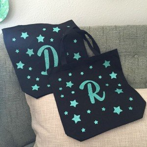 You don't have to have a fancy cutting machine to make these darling and glamourous tote bags with heat transfer vinyl!