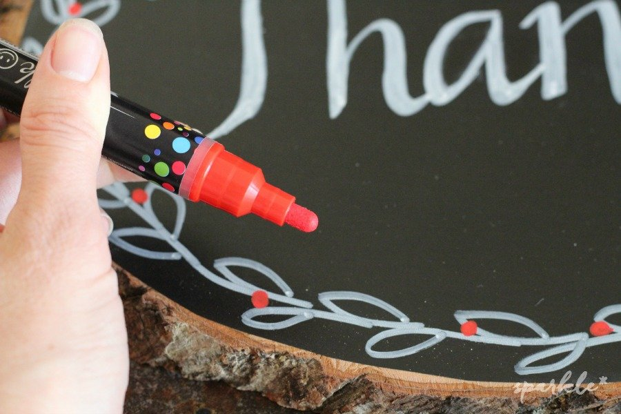 Make a wood plank chalkboard that can be decorated with chalk markers. It's a perfect hostess gift for your holiday parties!