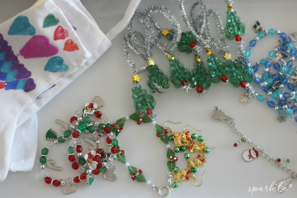 Fun kids jewelry making party with kits from Oriental Trading.