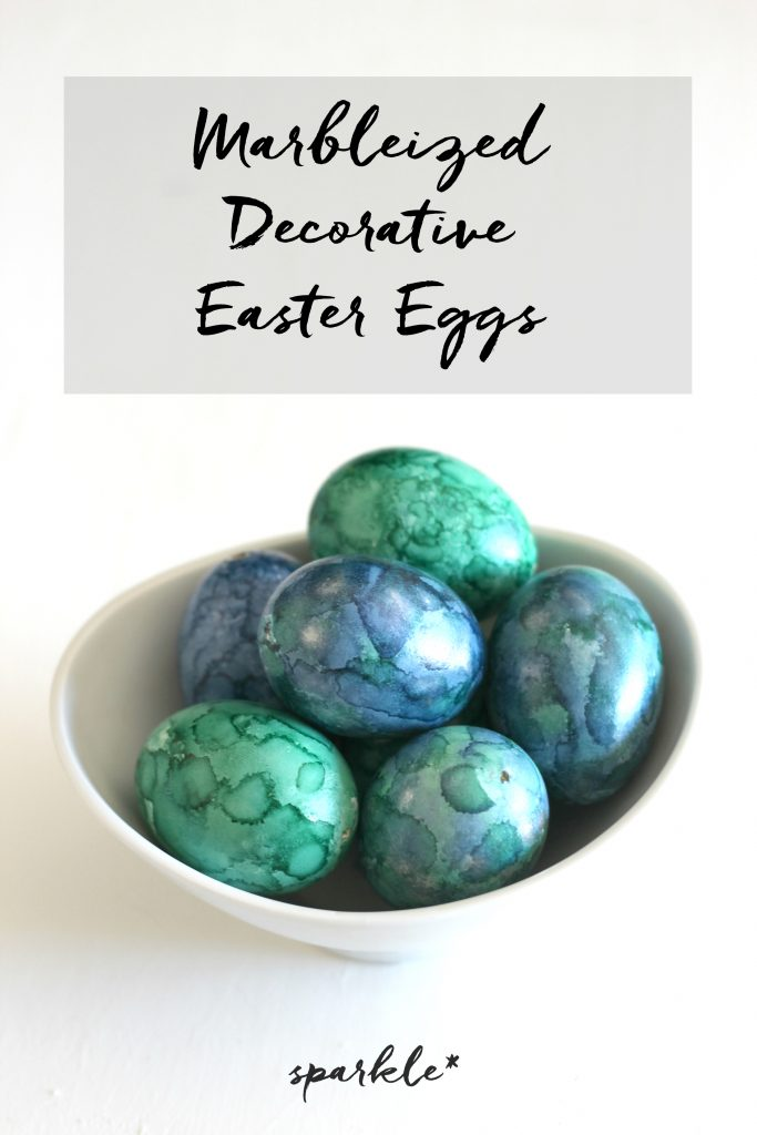 Make these gorgeous decorative marblized Easter eggs using alcohol ink.