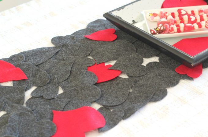 Mixed Hearts Valentine's Day Table Runner