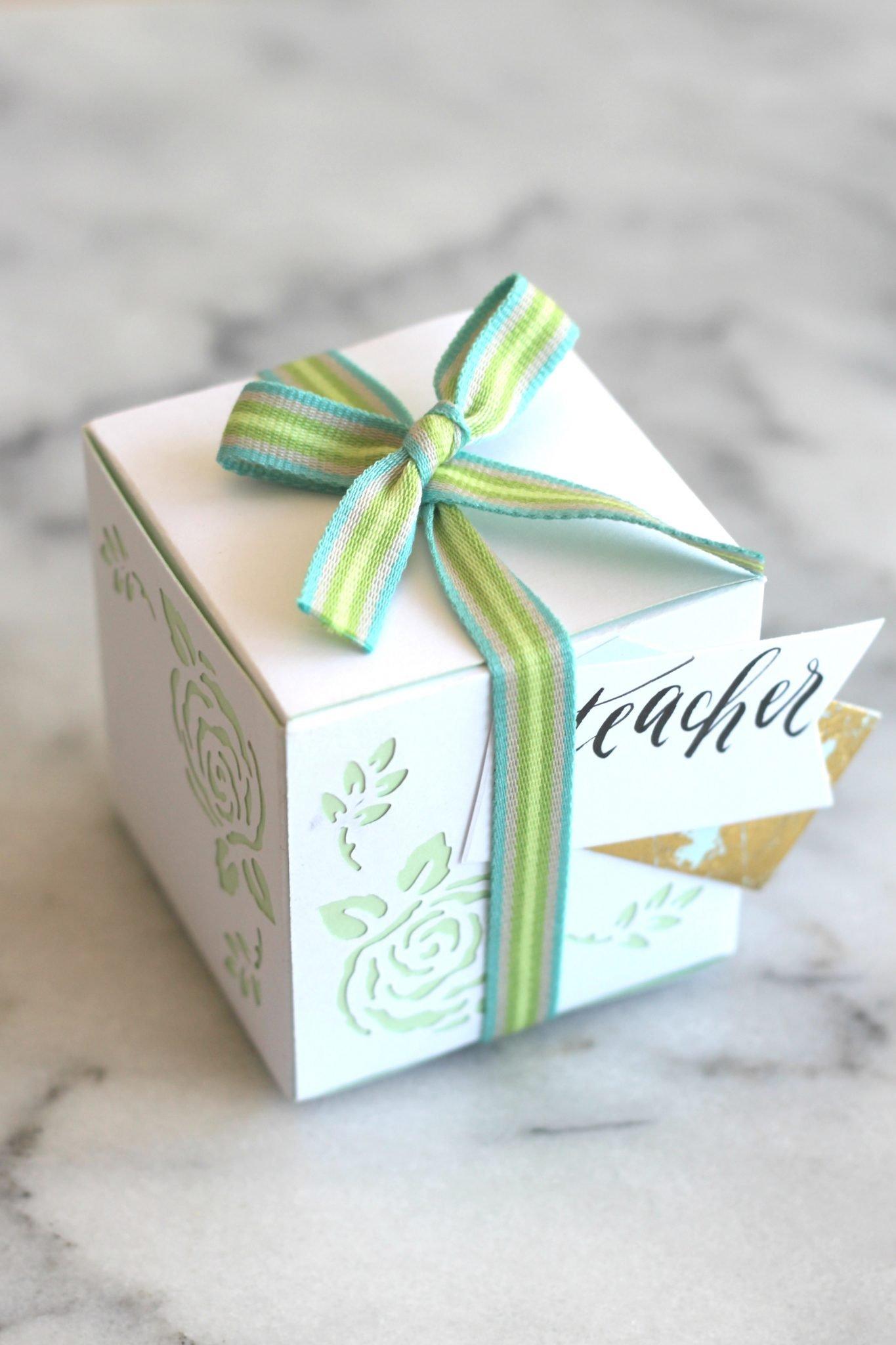 springtime flower paper gift boxes sparkle living blog. Black Bedroom Furniture Sets. Home Design Ideas