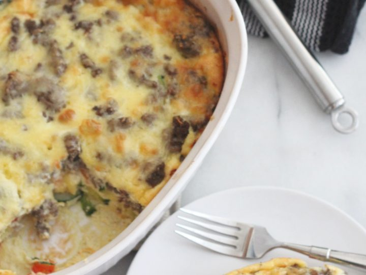 Grab all your favorite summer vegetables and some meat and make this delicious ground beef and veggie egg bake for dinner tonight! #ad #HandsomeBrookFarm #HandsomeSummer #lowcarb #keto #easyweeknightmeals #whatsfordinner