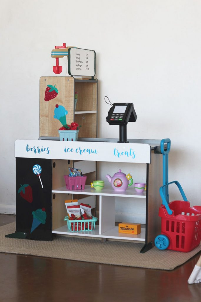 little kids grocery shop makeover using vinyl from Styletech craft