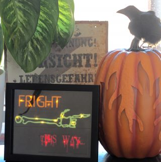 lighted vinyl art for Halloween - fright this way picture